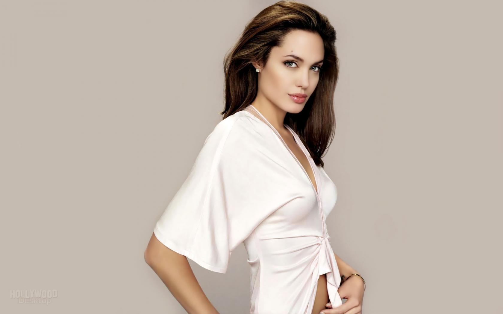 Самые красивые девушки в блузках 22 фотография