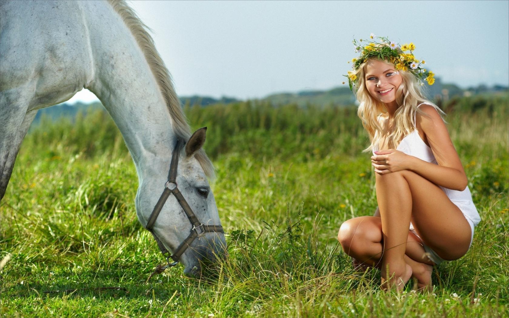 Поро кони и девушка 23 фотография